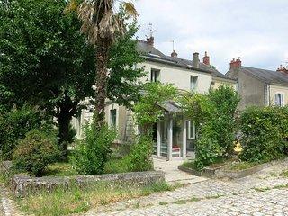 2 bedroom Villa in Azay-le-Rideau, Centre, France : ref 5440989