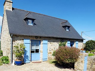 2 bedroom Villa in Crozon, Brittany, France : ref 5438085