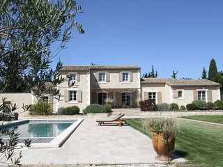 5 bedroom Villa in Raphèle-lès-Arles, France - 5699573