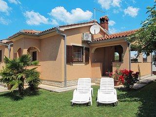 2 bedroom Villa in Fazana, Istarska Zupanija, Croatia : ref 5439513