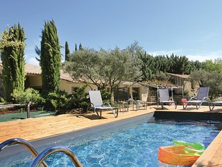 2 bedroom Villa in Bonnieux, Provence-Alpes-Côte d'Azur, France - 5565738