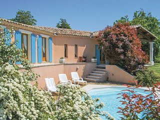 3 bedroom Villa in Roussillon, Provence-Alpes-Côte d'Azur, France : ref 5565740