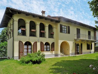 1 bedroom Apartment in La Morra, Piedmont, Italy : ref 5443191