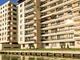 Deluxe Nicolle Mamaia Apartment