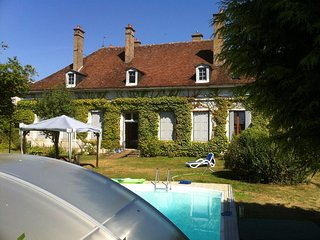 4 bedroom Villa in Saint-Sauveur-en-Puisaye, Bourgogne-Franche-Comte, France : r