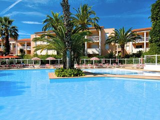 1 bedroom Apartment in Golfe-Juan, Provence-Alpes-Cote d'Azur, France : ref 5435