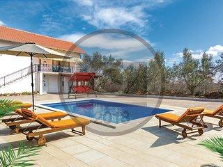 5 bedroom Villa in Ukalovic, Zadarska Zupanija, Croatia : ref 5585738
