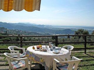 3 bedroom Villa in Corsanico-Bargecchia, Tuscany, Italy : ref 5447651