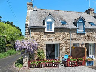 3 bedroom Villa in Cancale, Brittany, France : ref 5438983