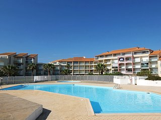 2 bedroom Apartment in Latour-Bas-Elne, Occitania, France : ref 5514091