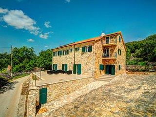 7 bedroom Villa in Trolokve, Splitsko-Dalmatinska Županija, Croatia : ref 562449