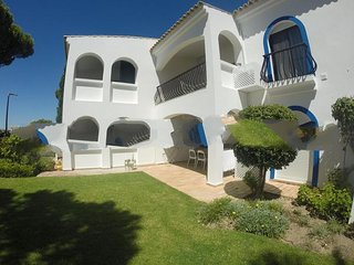 2 bedroom Apartment in Vale do Garrao, Faro, Portugal : ref 5000260