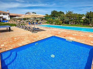 Malhadais Villa Sleeps 16 with Pool Air Con and WiFi - 5433415
