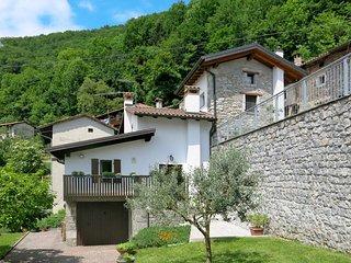 2 bedroom Villa in Grimacco Inferiore, Friuli Venezia Giulia, Italy : ref 544504
