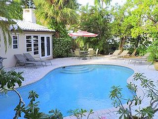 VICTORIA PARK WATERFRONT 2/2 FOR 6 HEATED POOL