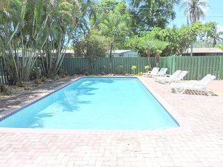 Casa Pacifica Heated Pool 5/3 for 10 Beach 10 Mins