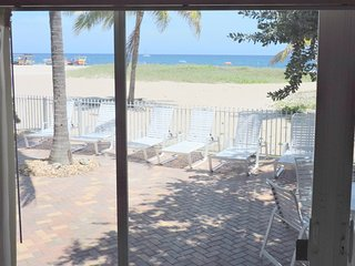 Blue Ocean Villa 3 Oceanfront 4/3 for 10 Heated Po