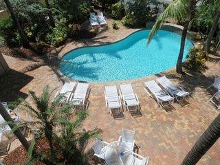 Blue Ocean Villa 3 Oceanfront 4/3 for 10 Heated Po