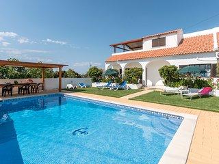 Villa São Miguel with private pool