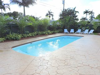 Casa Casino 3/3 for 8 Heated Pool  Beaches 1 Mi