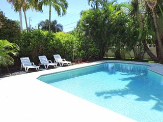 Pirates Cove 2/2 for 6 Guests, Private Heated Pool