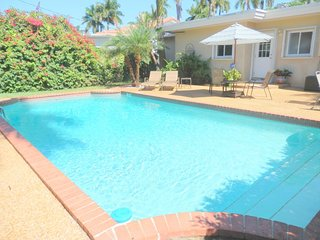 Lake Breeze 3/2 for 8 Large Pool Great Location