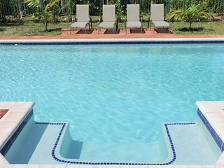 Tropical Breeze North 3 / 2.5  for 8 Heated Pool