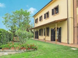2 bedroom Apartment in Pomaia, Tuscany, Italy : ref 5446477
