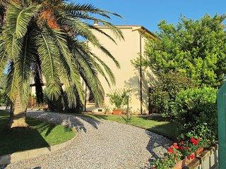 2 bedroom Apartment in Pomaia, Tuscany, Italy : ref 5446479