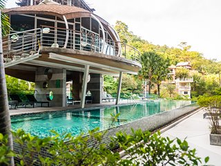 Pool view Patong studio with gym and shuttle to the beach!!!! 420
