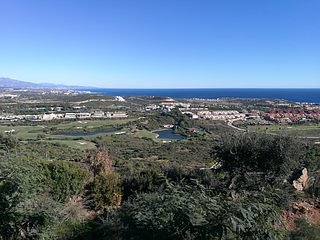 2 bedrooms Duplex Penthouse with panoramic views to the sea and golf course. Com
