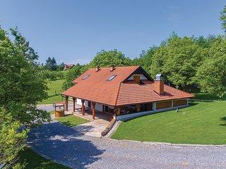 3 bedroom Villa in Pula, Sisačko-Moslavačka Županija, Croatia : ref 5605071