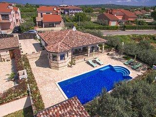 2 bedroom Villa in Buje, Istarska Županija, Croatia - 5426542