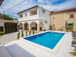 4 bedroom Villa in Danijeli, Istarska Zupanija, Croatia - 5512391