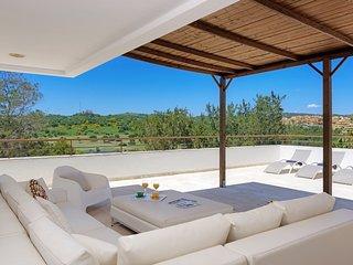 San Roque Club Villa Sleeps 12 with Pool and Air Con - 5218036