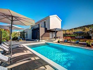 3 bedroom Villa in Zdrelac, Zadarska Zupanija, Croatia : ref 5610638