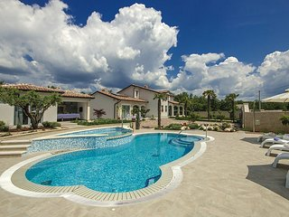 5 bedroom Villa in Vranje Selo, Istria, Croatia : ref 5583169