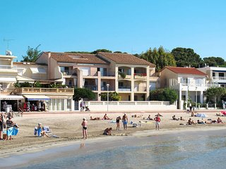 3 bedroom Apartment in Saint-Cyr-sur-Mer, France - 5436141