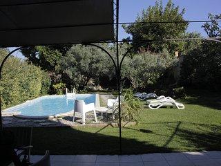 Maison du 18eme, 200 M2, 30 km d'Avigon, Uzes, piscine privee, jardin clos