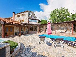 4 bedroom Villa in Tinjan, Istarska Županija, Croatia : ref 5426394
