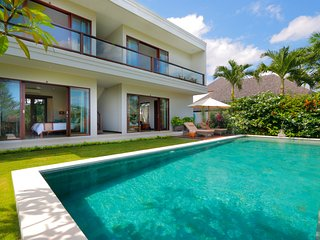 WOW! 7 BR Fantastic Rice Fields View Villa in Canggu close to the beach #FK