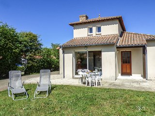 3 bedroom Villa in La Rogere, Pays de la Loire, France : ref 5555040