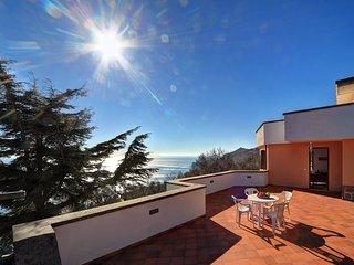2 bedroom Apartment in Sant'Agata sui Due Golfi, Campania, Italy : ref 5227047