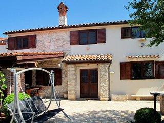 2 bedroom Villa in Pula, Istarska Županija, Croatia : ref 5439446