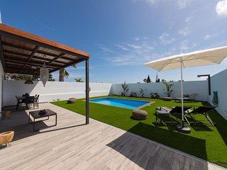 3 bedroom Villa in Playa Blanca, Canary Islands, Spain : ref 5586231
