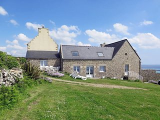 3 bedroom Villa in Plouhinec, Brittany, France : ref 5438254