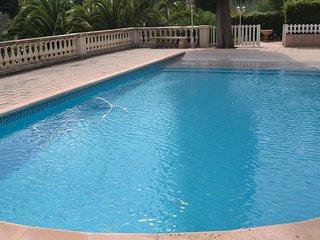 5 bedroom Villa in Hyeres, Provence-Alpes-Cote d'Azur, France : ref 5565577