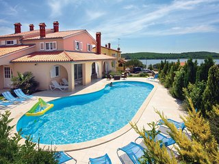 7 bedroom Villa in Pomer, Istria, Croatia : ref 5563991