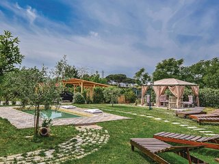 3 bedroom Villa in Bozzana, Tuscany, Italy : ref 5566947