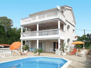 2 bedroom Villa in Pinezići, Primorsko-Goranska Županija, Croatia : ref 5440162
